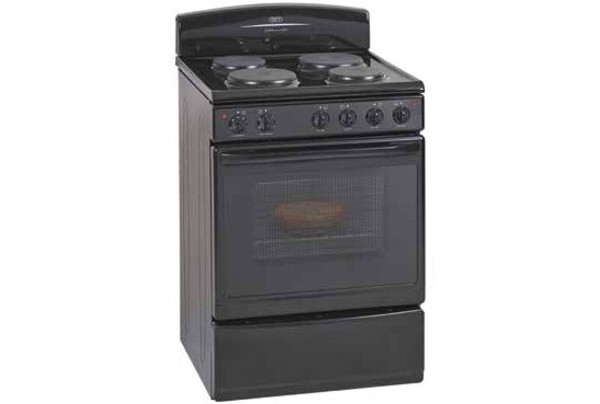 Defy 621 Kitchenmaster Electric Stove: DSS 512
